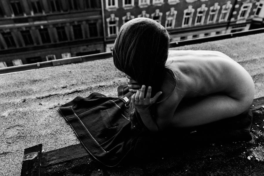 Die Frau, die mit dem Koffer kam