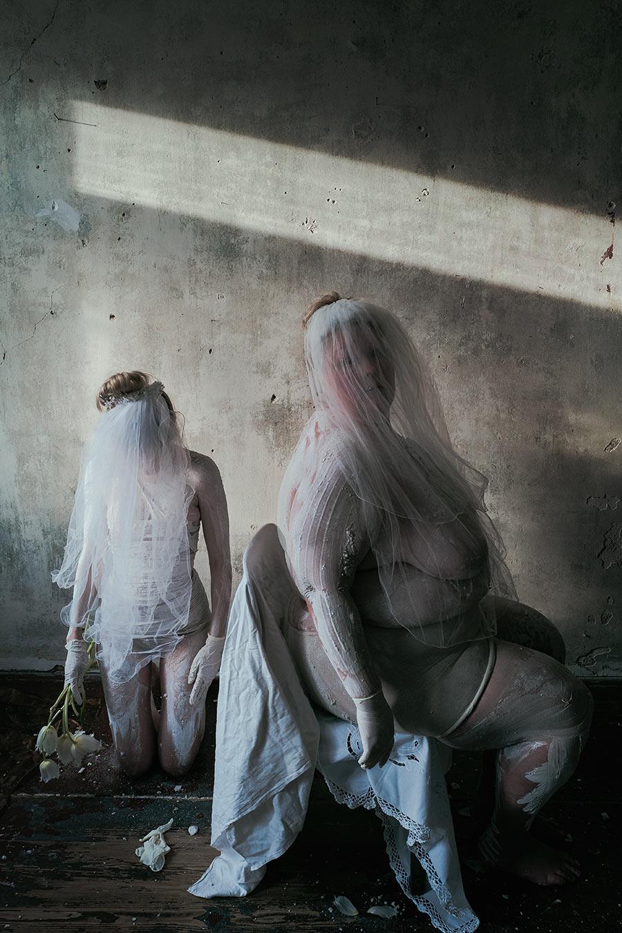 Krieg und Frieden Aktfotografie Antje Kroeger