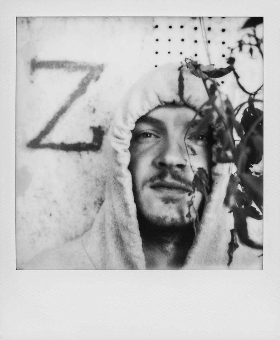 Z - Polaroid