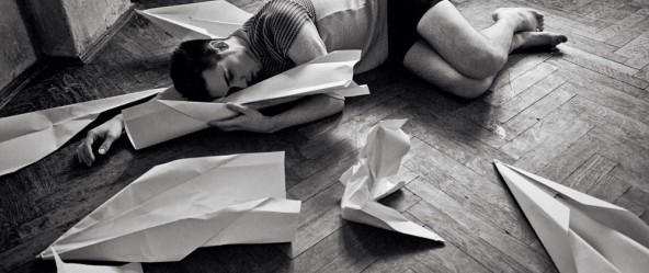 flugzeug papier porträt mann